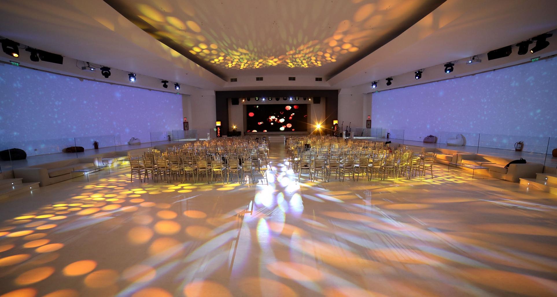 Foto sala de evenimente
