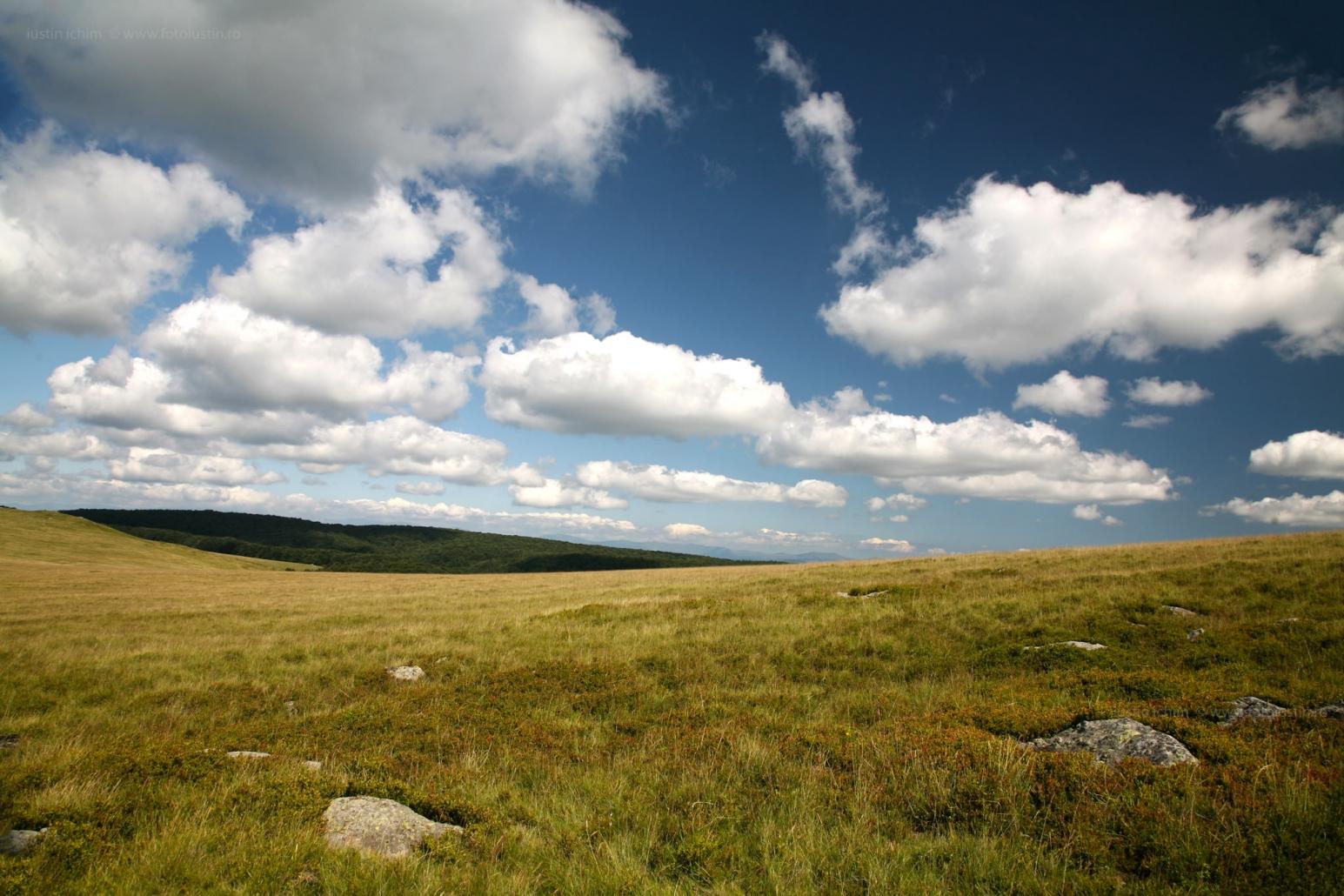Peisaj din România, wallpaper cu nori