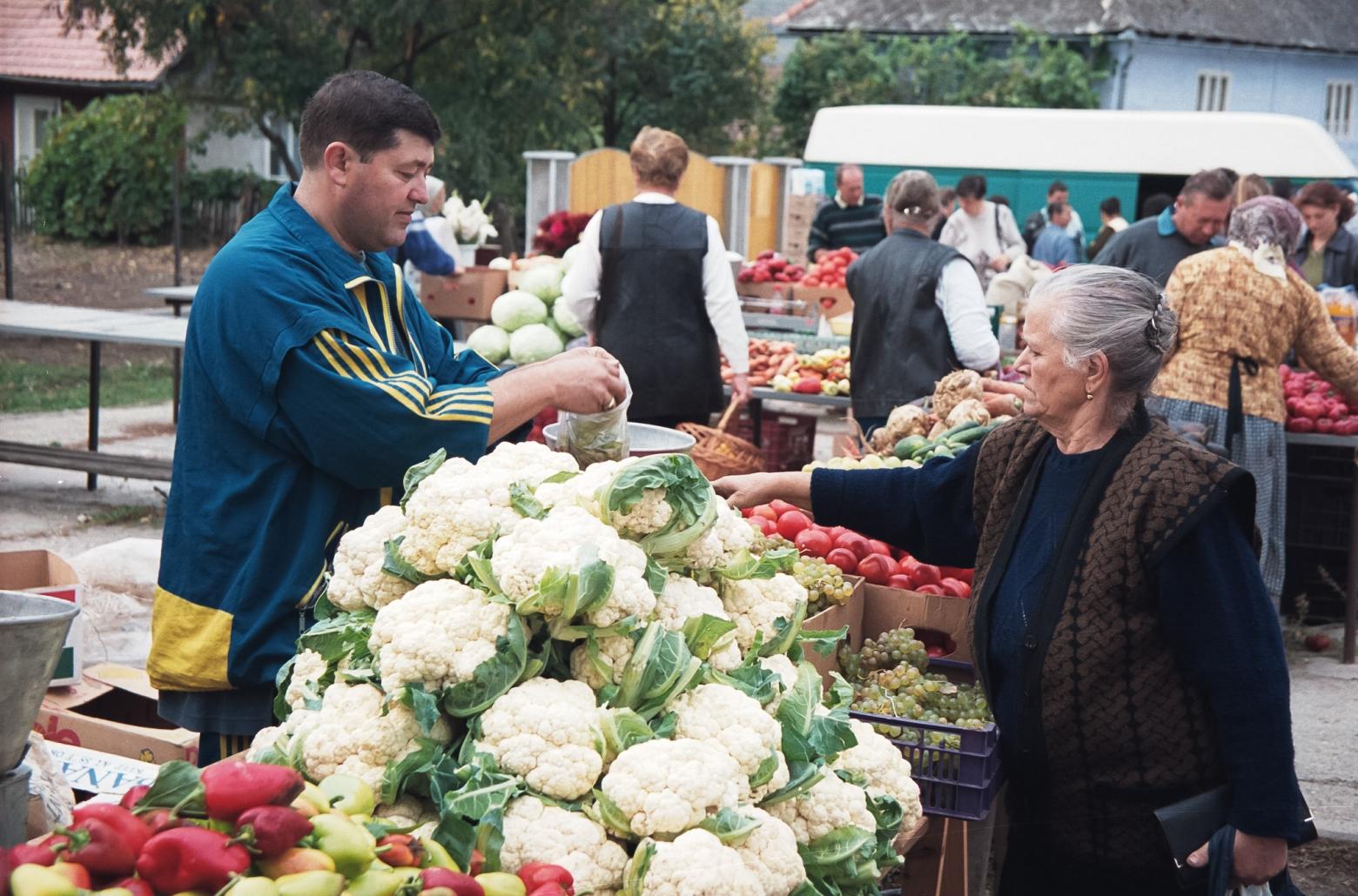 Piață tradițională din România