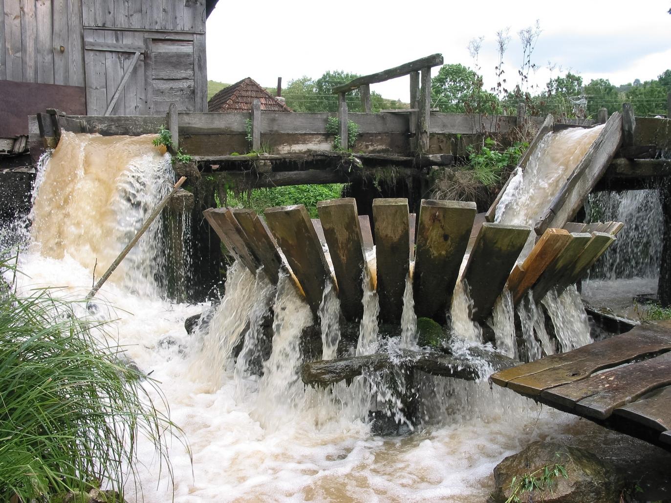 Vâltoare pe apa, traditional